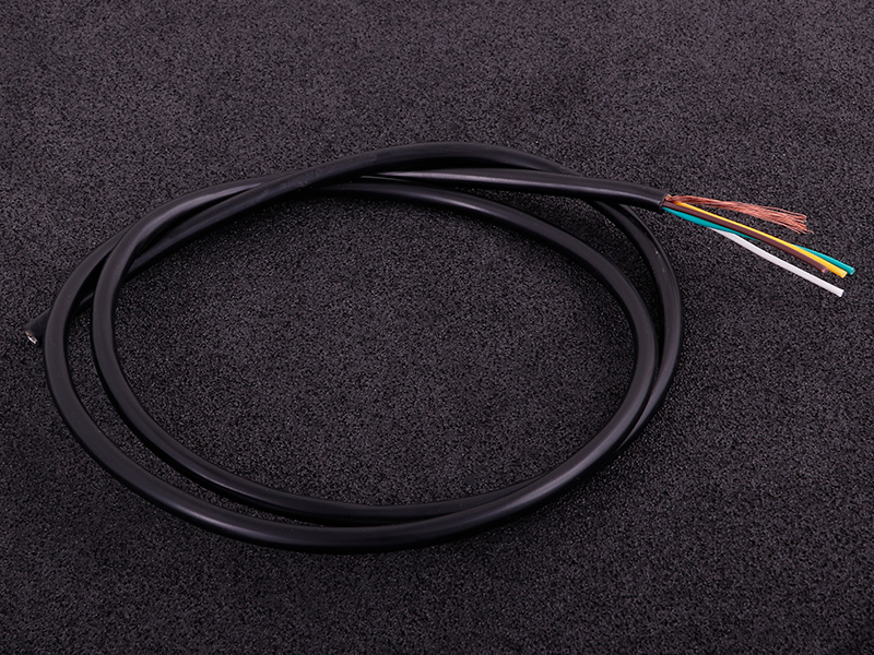Shielded cable (4 cores) black